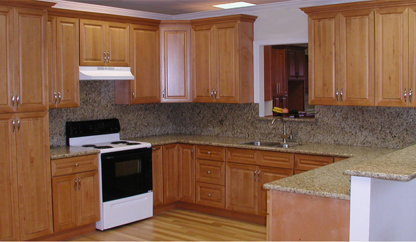 Honey maple kitchen cabinets home design for Maple kitchen cabinets
